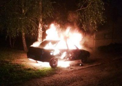 Ночью в Воротынске сгорел автомобиль